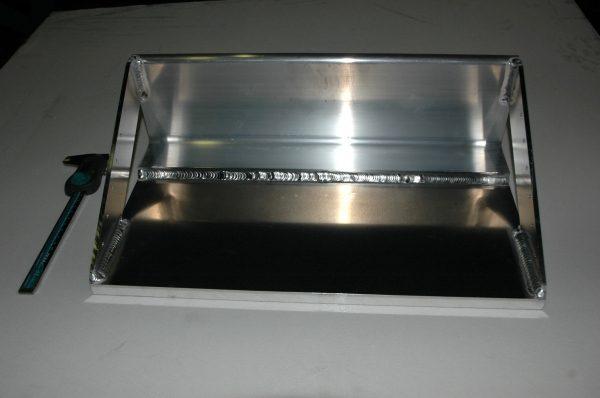 アルミベース板溶接品2