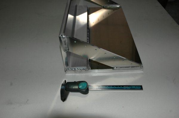 アルミベース板溶接品