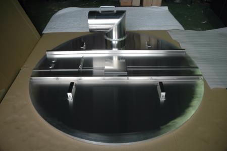 大径アルミ容器上部蓋を製造しています。