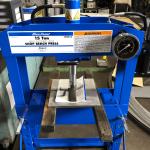 門型手動式油圧プレス導入