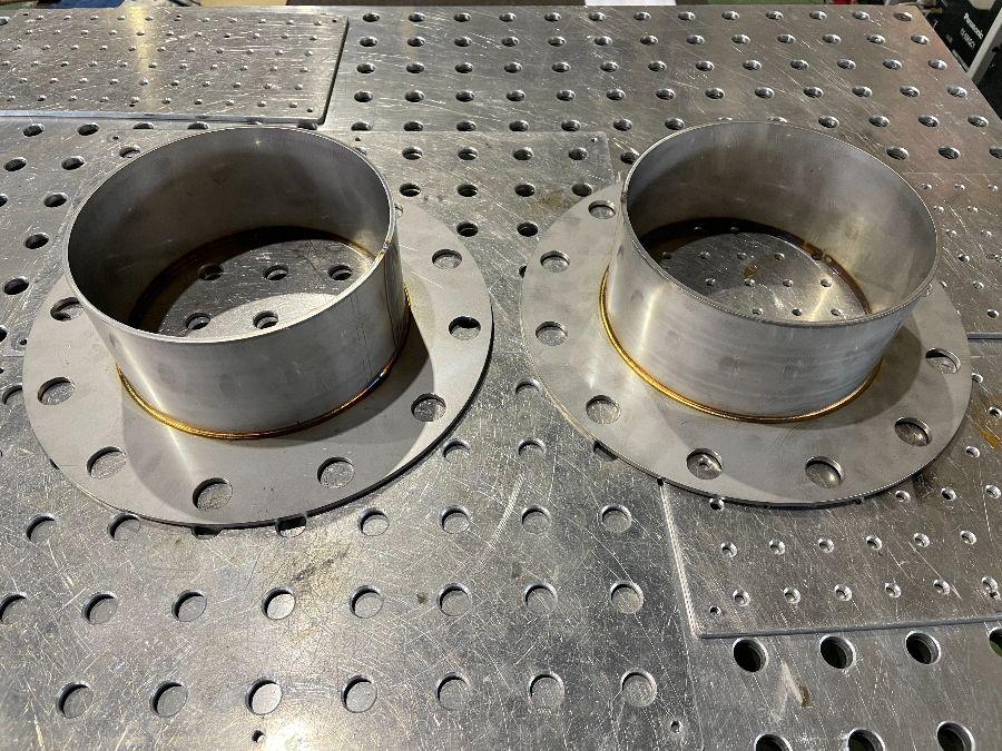 SUS304 200Aフランジの溶接